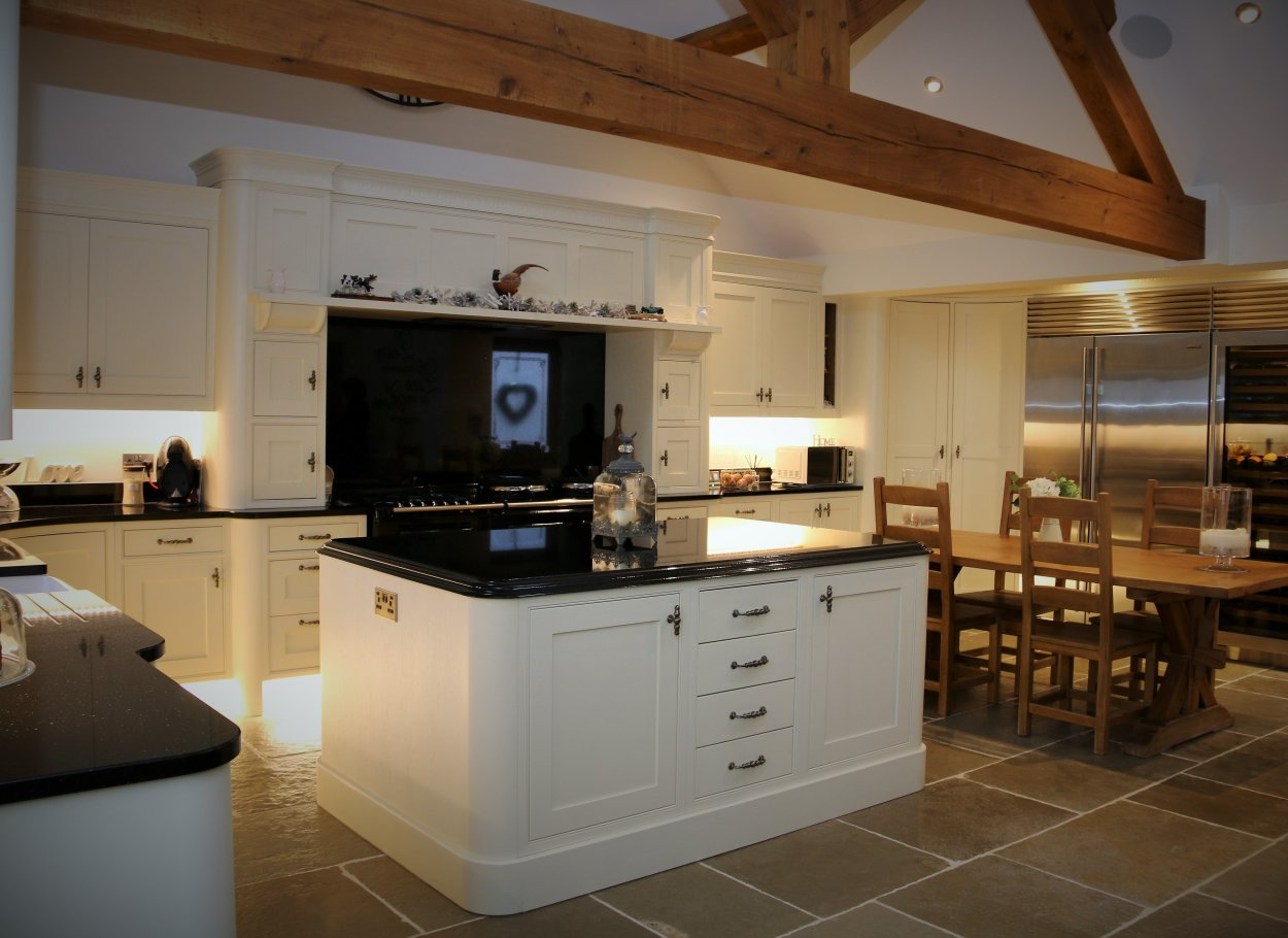 Traditional Style Barn Conversion Painted Kitchen